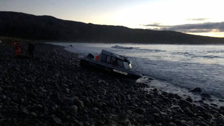 В Баренцевом море опрокинулся катер с рыбаками