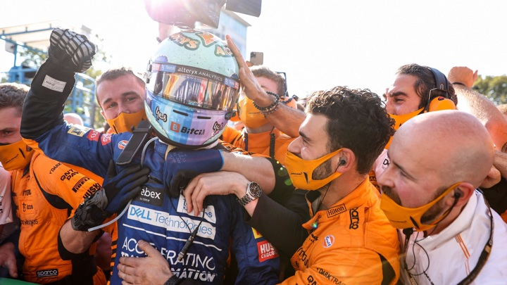 Пилот McLaren Риккьярдо стал победителем Гран-при Италии