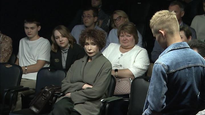 """Спектакль """"Бешеный хворост"""" – в театре """"Школа современной пьесы"""""""