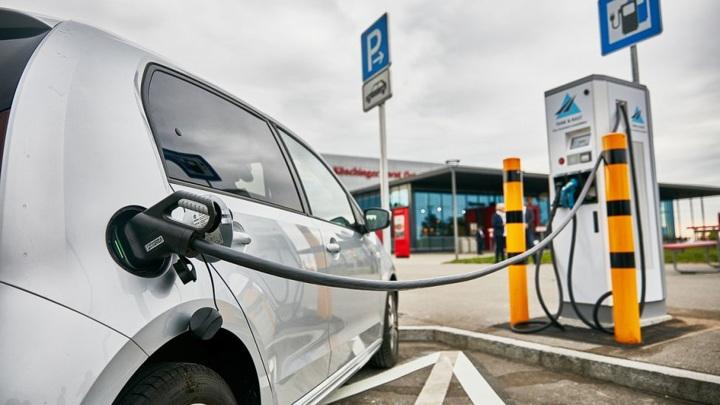 Производство электромобилей в странах бьет рекорды
