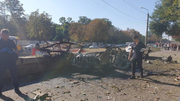 Два человека погибли при взрыве машины в городе Днепр