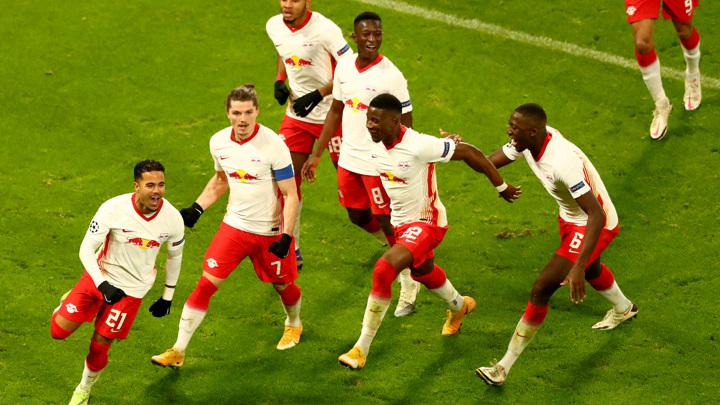 Град мячей в Манчестере и ничья в Брюгге