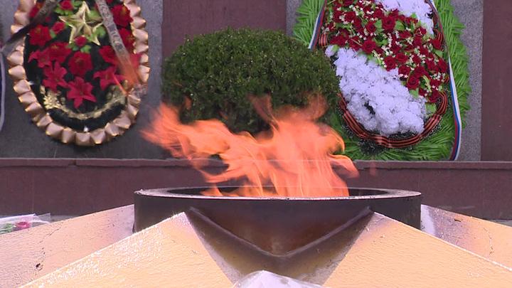 Сожгли траурный венок: в Сочи осквернили памятник героям ВОВ