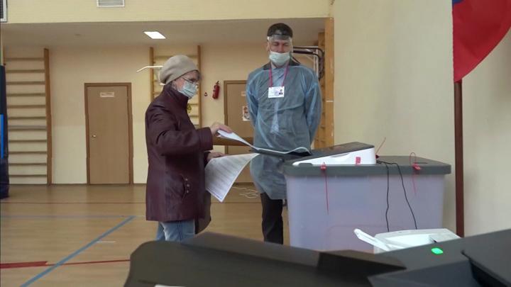 Мешают учиться: в Москве сократят избирательные участки в школах