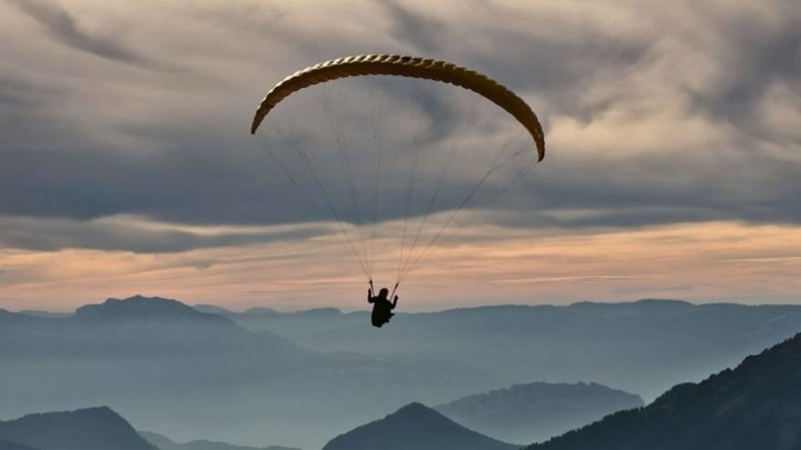 Парапланеристка травмировалась при жесткой посадке в горах Кабардино-Балкарии