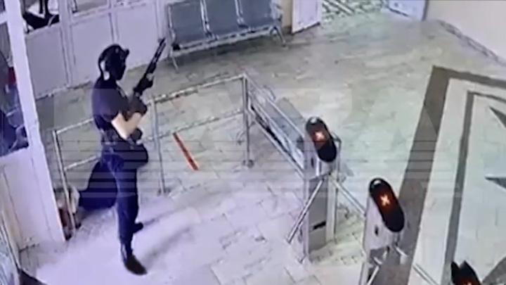 Напавший на пермский университет владел оружием законно