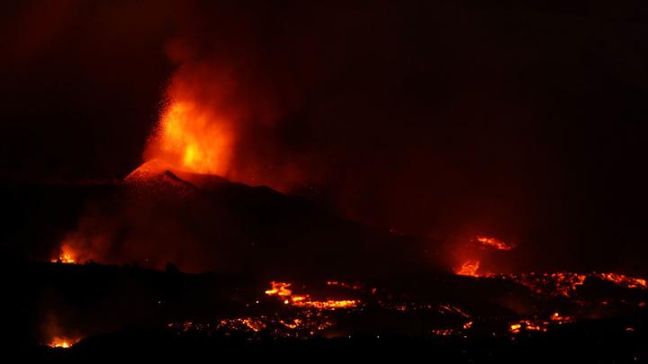 Извержение вулкана на Канарах: возможны кислотные дожди