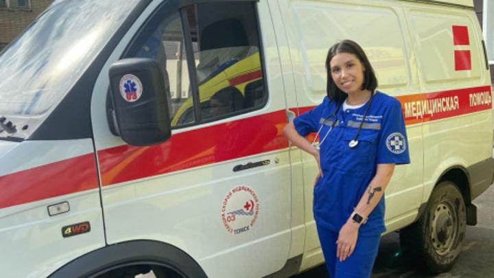 В Томске пациент запер в машине скорой помощи фельдшера и избил