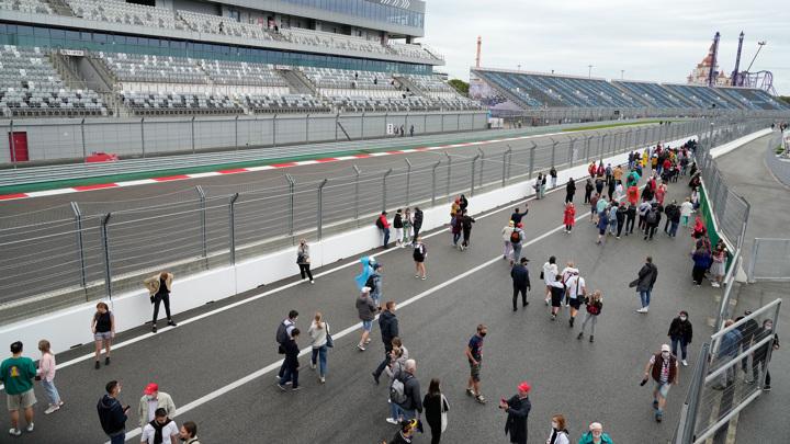 Дождь может внести коррективы в расписание Гран-при России