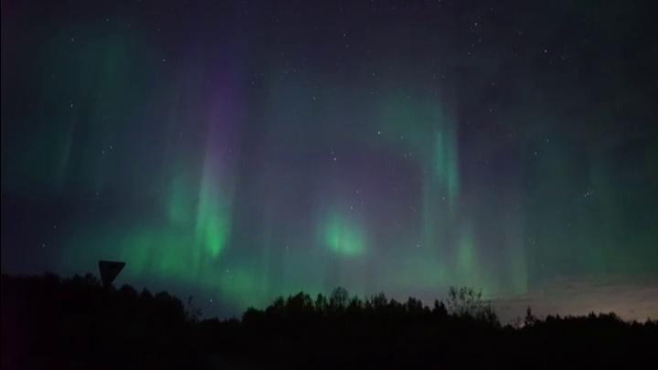 Житель Мурманска запечатлел северное сияние на фоне Большой Медведицы