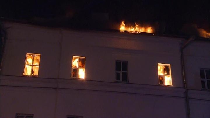 Пожар в общежитии Военного университета потушен, никто не пострадал