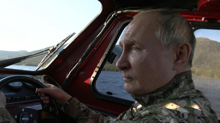 Кремль распространил кадры отдыха президента