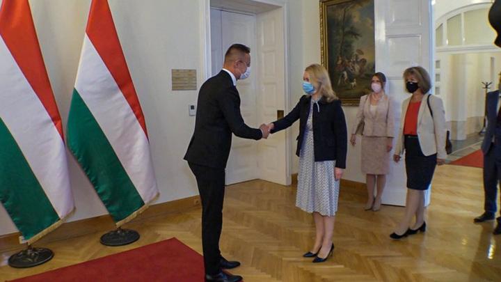 """Ничего личного: Венгрия договорилась с """"Газпромом"""" о поставках в обход Украины"""
