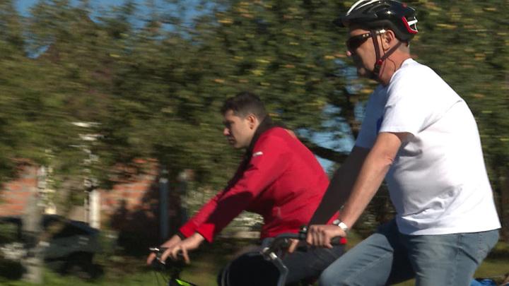 Калининградский губернатор лично проехал по новой велодорожке вдоль побережья