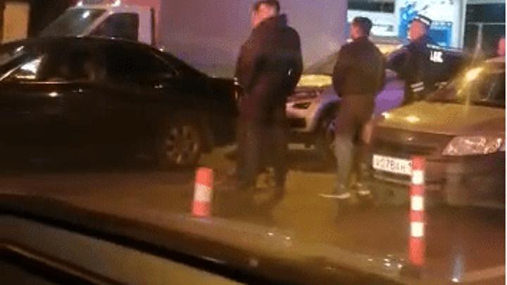 Житель Краснодара умер, когда снимал на видео драку двух водителей