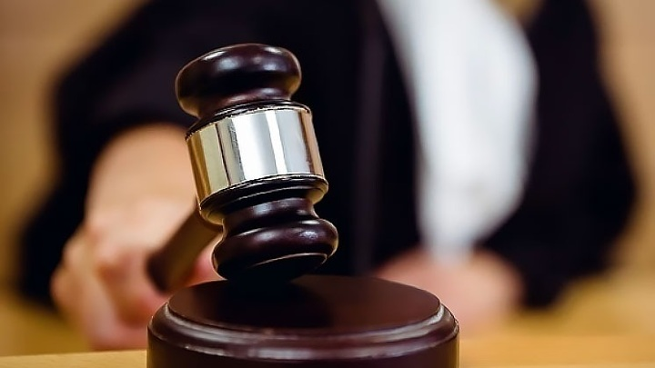 Суд приговорил к 2,5 годам дебоширов, устроивших потасовку с полицейскими
