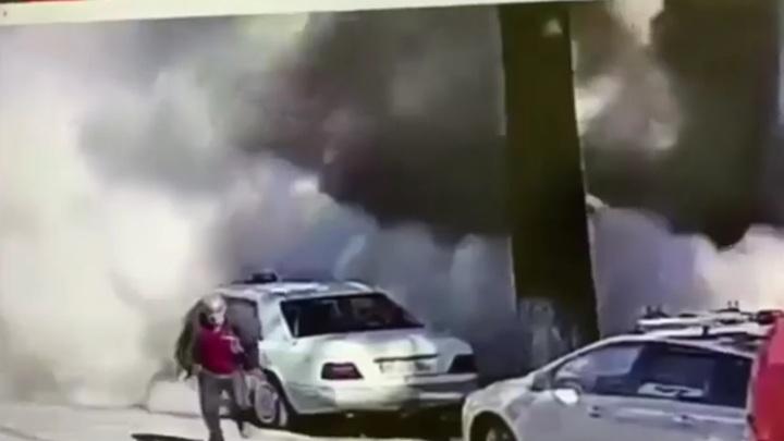 Момент обрушения жилого дома в Батуми попал на видео