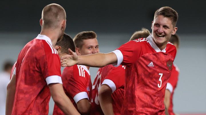 Сборная России скакнула на 33 место рейтинга ФИФА