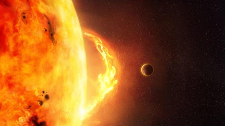 Взаимодействие солнечного ветра и магнитного поля планеты приводит к появлению полярного сияния.