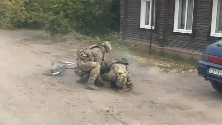 ФСБ провела операцию с задержаниями в нескольких регионах