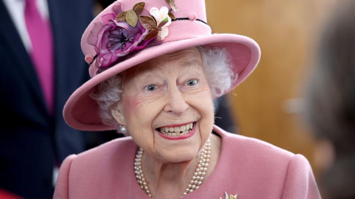 Королева Елизавета II отказалась от алкоголя по совету врачей