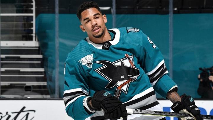 21 матч без хоккея. Игрок НХЛ наказан за нарушение ковид-протокола
