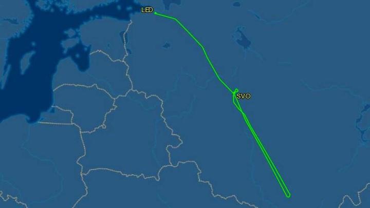 Sukhoi SSJ-100 совершил вынужденную посадку в Москве