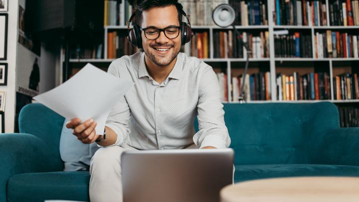 В 2022 году 52% работодателей намерены сохранить гибридный формат работы