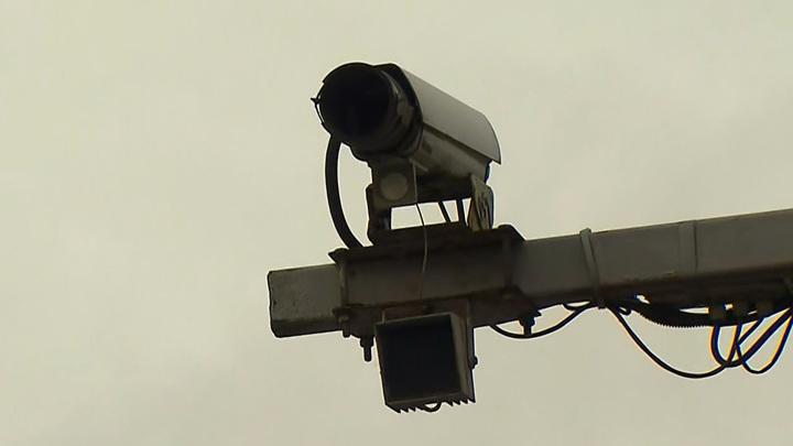 Первые 15: умная камера начала рассылать штрафы за езду без фар