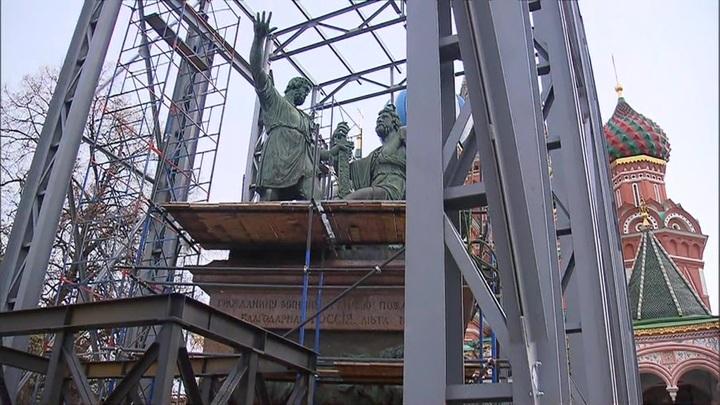 Памятник Минину и Пожарскому отремонтируют впервые за 200 лет