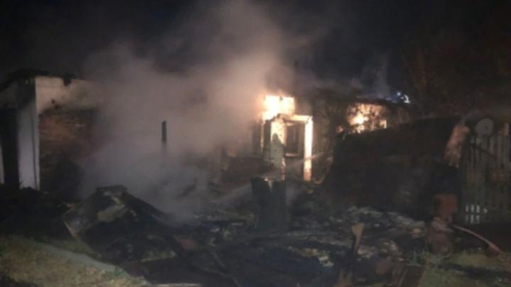 Трое малолетних детей погибли при пожаре, оставшись дома без присмотра