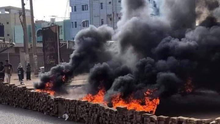 Военные взяли под контроль здание гостелерадио в столице Судана