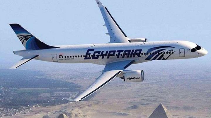 В салоне летевшего в Москву самолета EgyptAir нашли записку с угрозой теракта