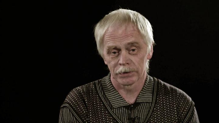 Александр Якимов: одно из моих первых облачений было комсомольскими занавесками
