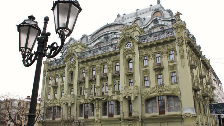 Одесса, Дерибасовская, главная улица причерноморского города.
