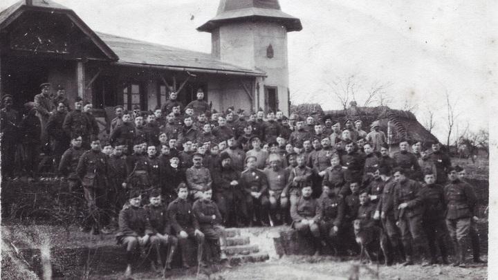 Домой, в Бельгию. Фото на память...1917 год. Фото из архивов Ивонн Франсуа, Жаклин Бурьен, Виржини Вандерстикль и Леонида Варебруса