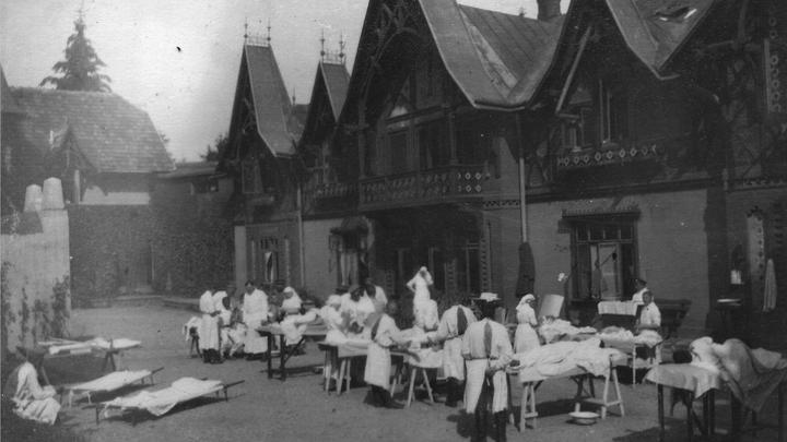 Фронтовой госпиталь, 1916 год. Фото из архивов Ивонн Франсуа, Жаклин Бурьен, Виржини Вандерстикль и Леонида Варебруса