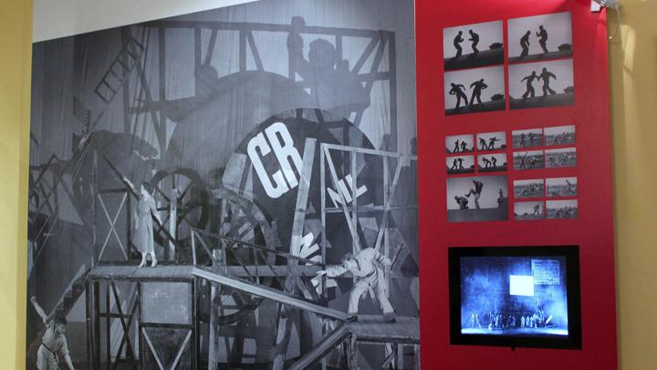 Система движения «по Мейерхольду» и сцена из спектакля «Великодушный рогоносец» Ф.Кроммелинка. Вольная мастерская Вс.Мейерхольда, апрель 1922 года.