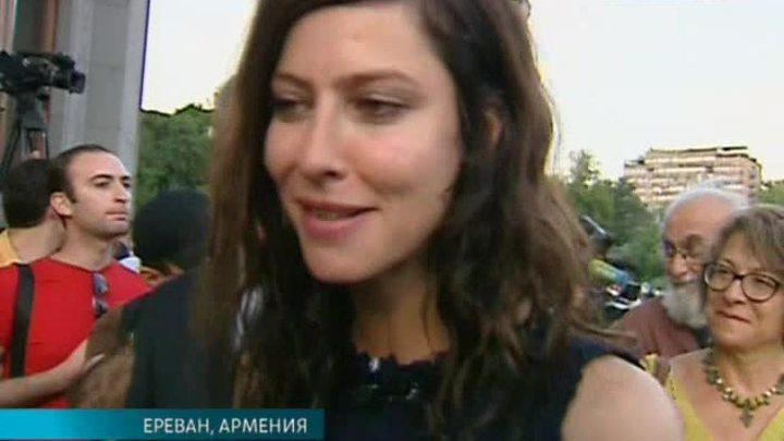 В Ереване начался сезон «Золотого абрикоса»
