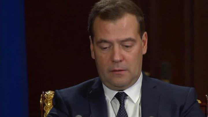 Медведев выразил соболезнования коллективу Малого театра