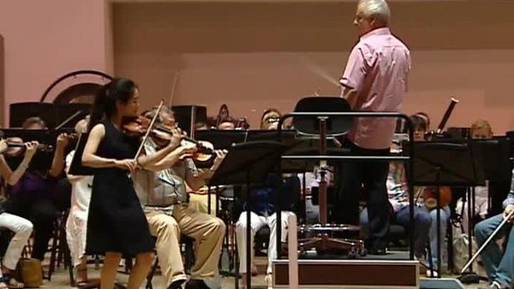 Финалисты Конкурса Чайковского репетируют с симфоническим оркестром